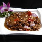 黑椒牛肉Bœuf au poivre noir